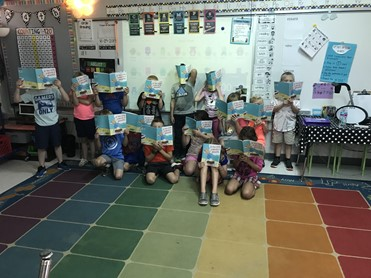 Students with books in Mrs. Golembeske's class