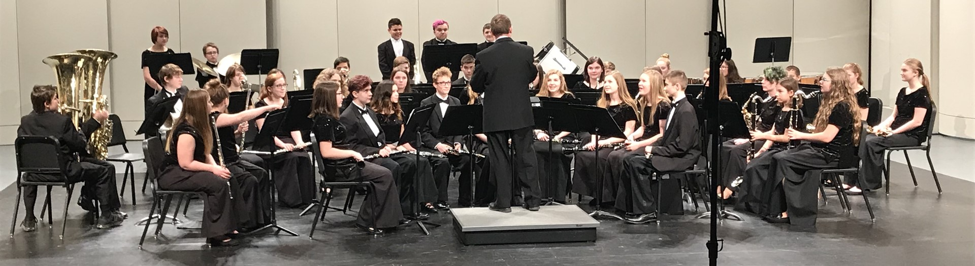 Middle school band students receive a score of 1 at the 2018 Band Festival.